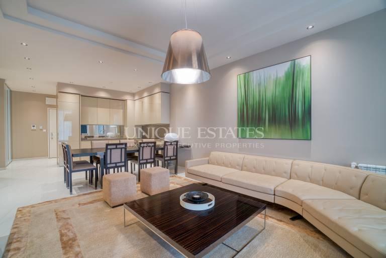 Луксозно обзаведен апартамент в престижен комплекс под наем