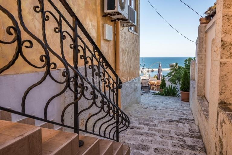 Kъща с невероятна гледка към морето в Балчик