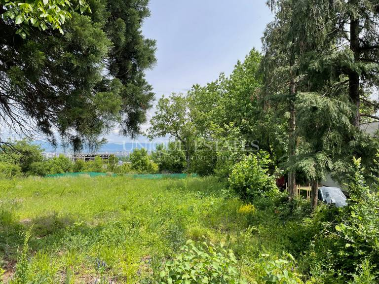 Sunny plot for sale with ready project in Simeonovo Qt.