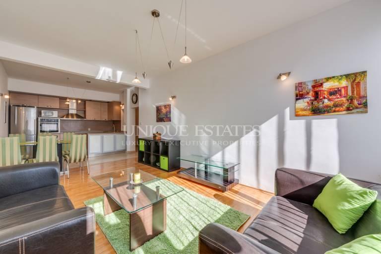 Oчарователен апартамент с две спални в pайона на Оборище