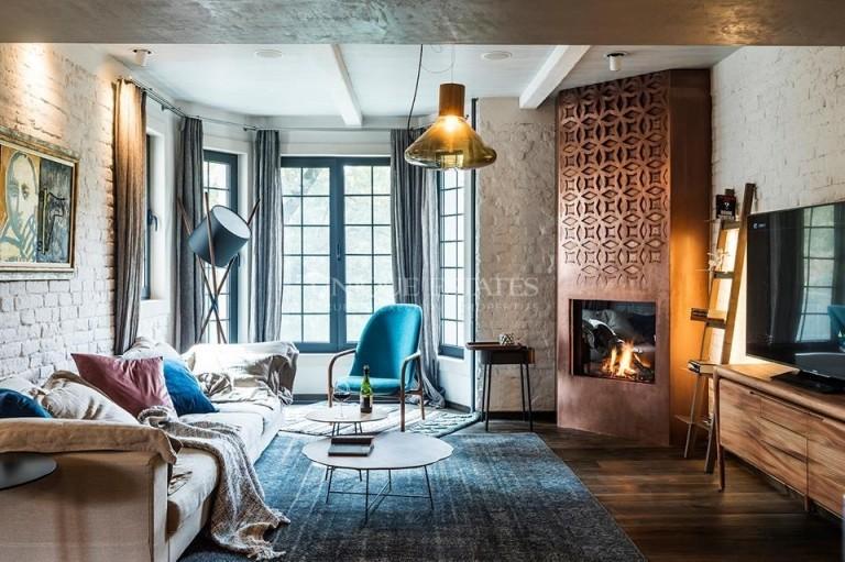 Уникален дизайнерски апартамент в идеален Център