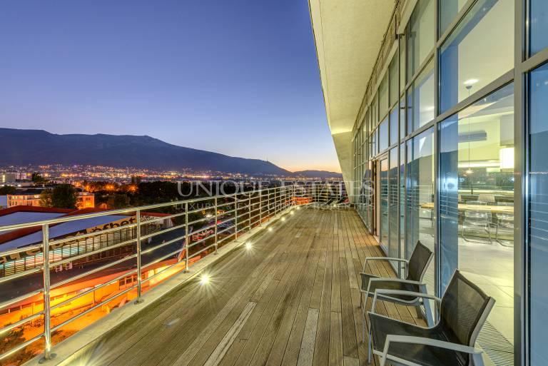 Wonderful Two Level Penthouse with Amaizing View.