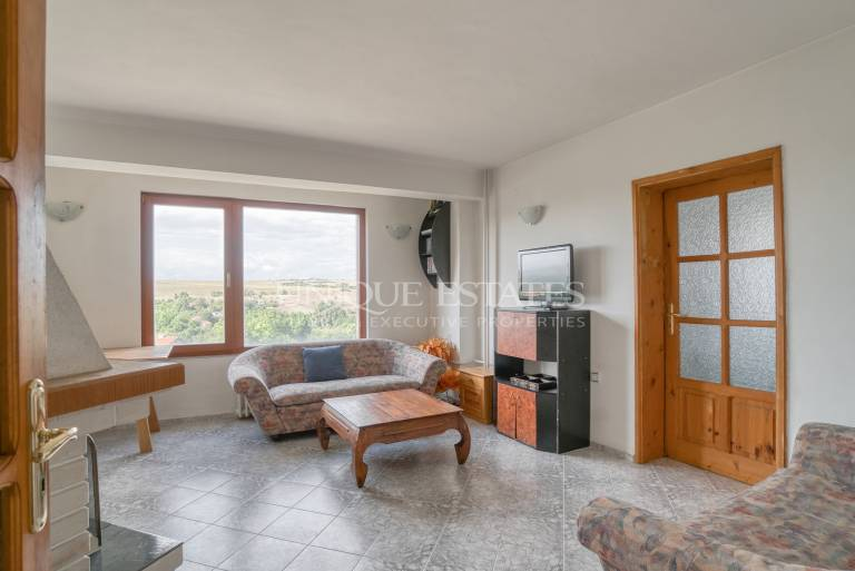 Two-bedroom apartment with panoramic views in Bankya