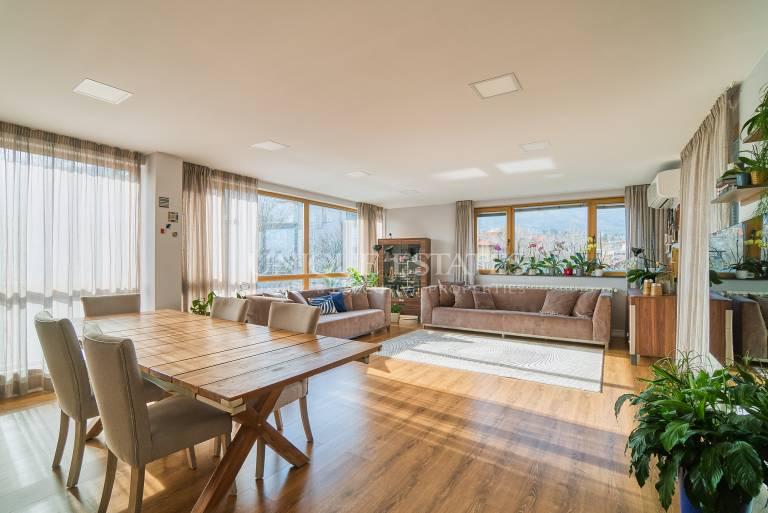 Апартамент с 3 спални и красива гледка към Витоша планина
