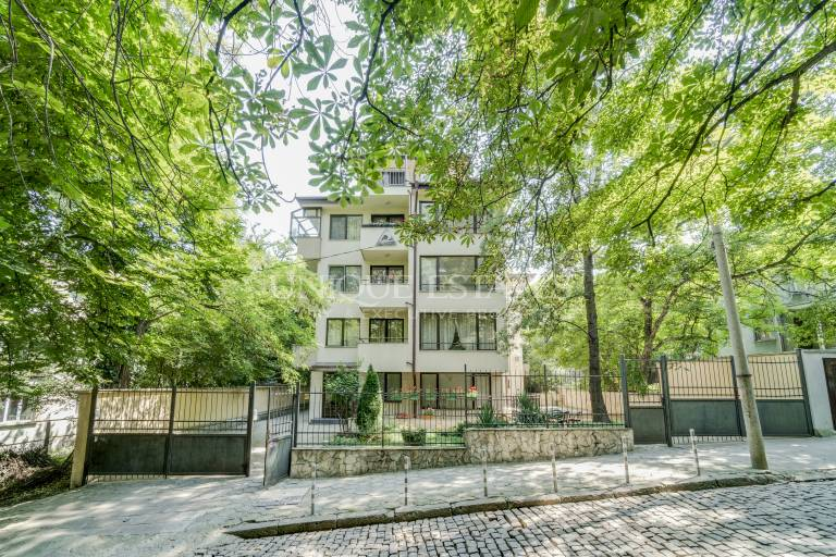 Lozenets, maisonette and a garage for rent
