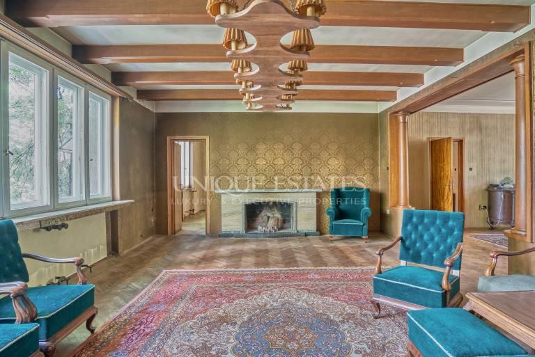 Аристократичен многостаен апартамент за продажба в кв. Иван Вазов