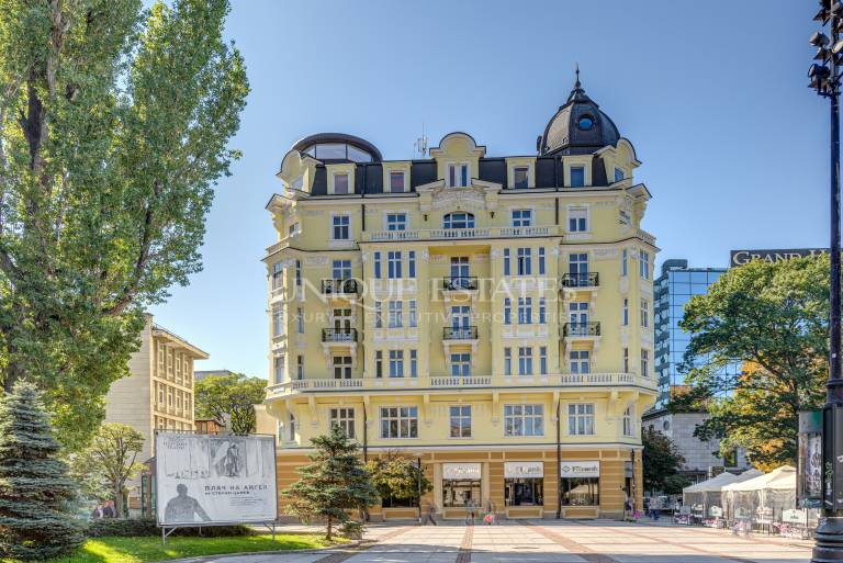 Property without an analogue rent - Ivan Vazov Theater