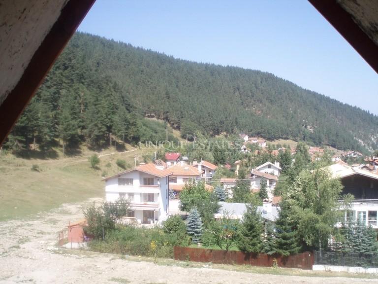 Hotel for sale near a ski run in the village of Beli Iskar