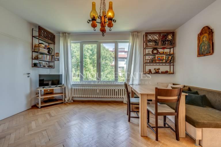Апартамент с две спални под наем в кв. Иван Вазов