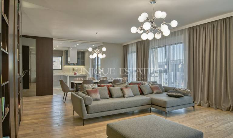 Gorgeous three bedroom Penthouse with stunning views