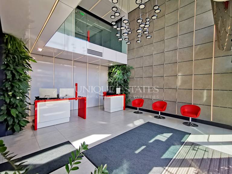 Свободни офис площи в луксозна офис сграда под наем