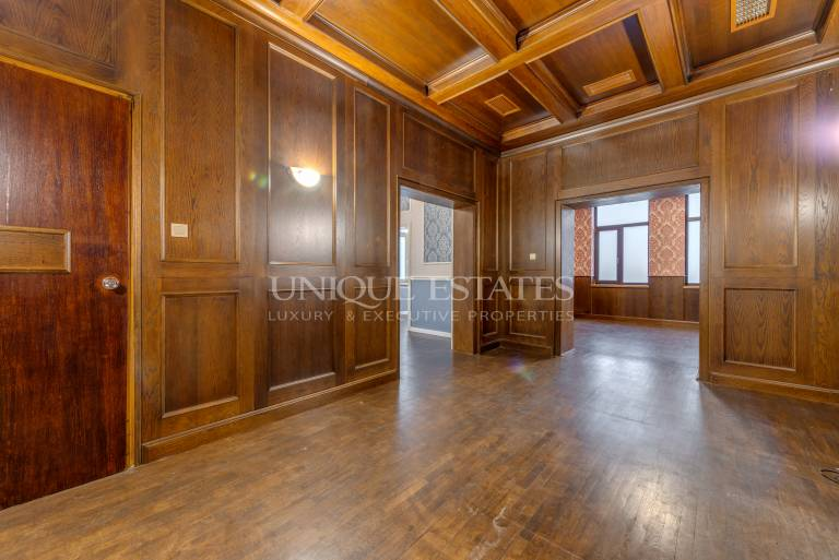 Aristocratic office for sale close to National Palace of Culture