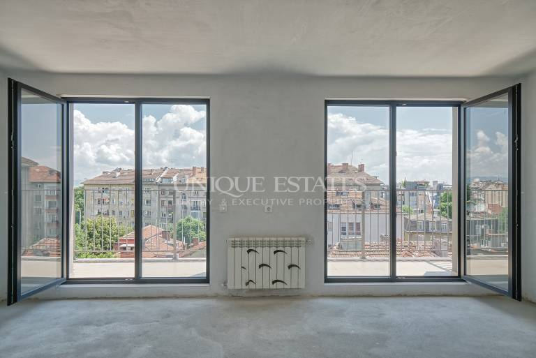 Maisonette with a beautiful view in the center
