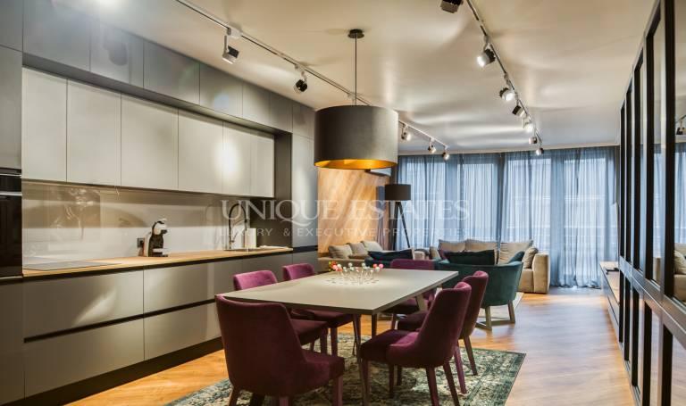 Стилен, дизайнерски апартамент под наем  в Изток