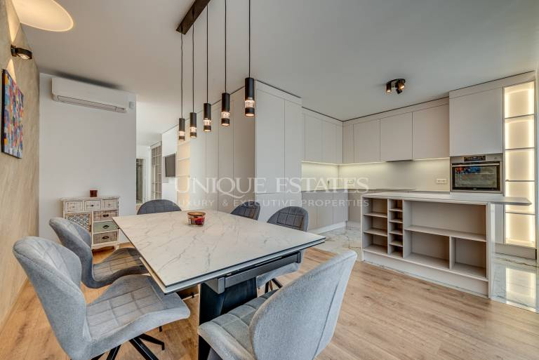 Penthouse with three bedrooms and a beautiful terrace for rent