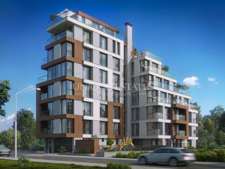 Четиристаен апартамент в строеж за продажба