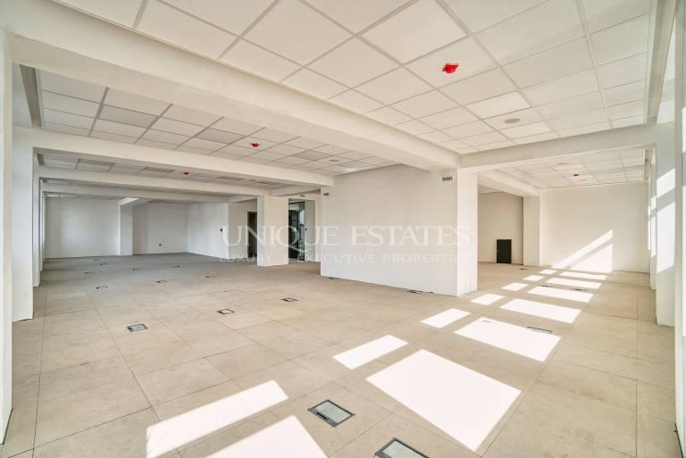 Фантастичен просторен офис в сърцето на столицата под наем