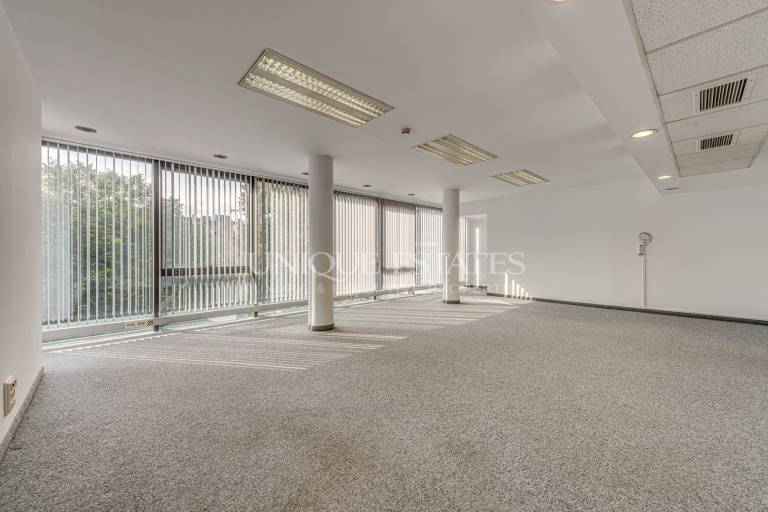 Excellent office for rent in a class A office building