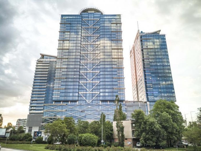 Луксозна сграда в центъра на София
