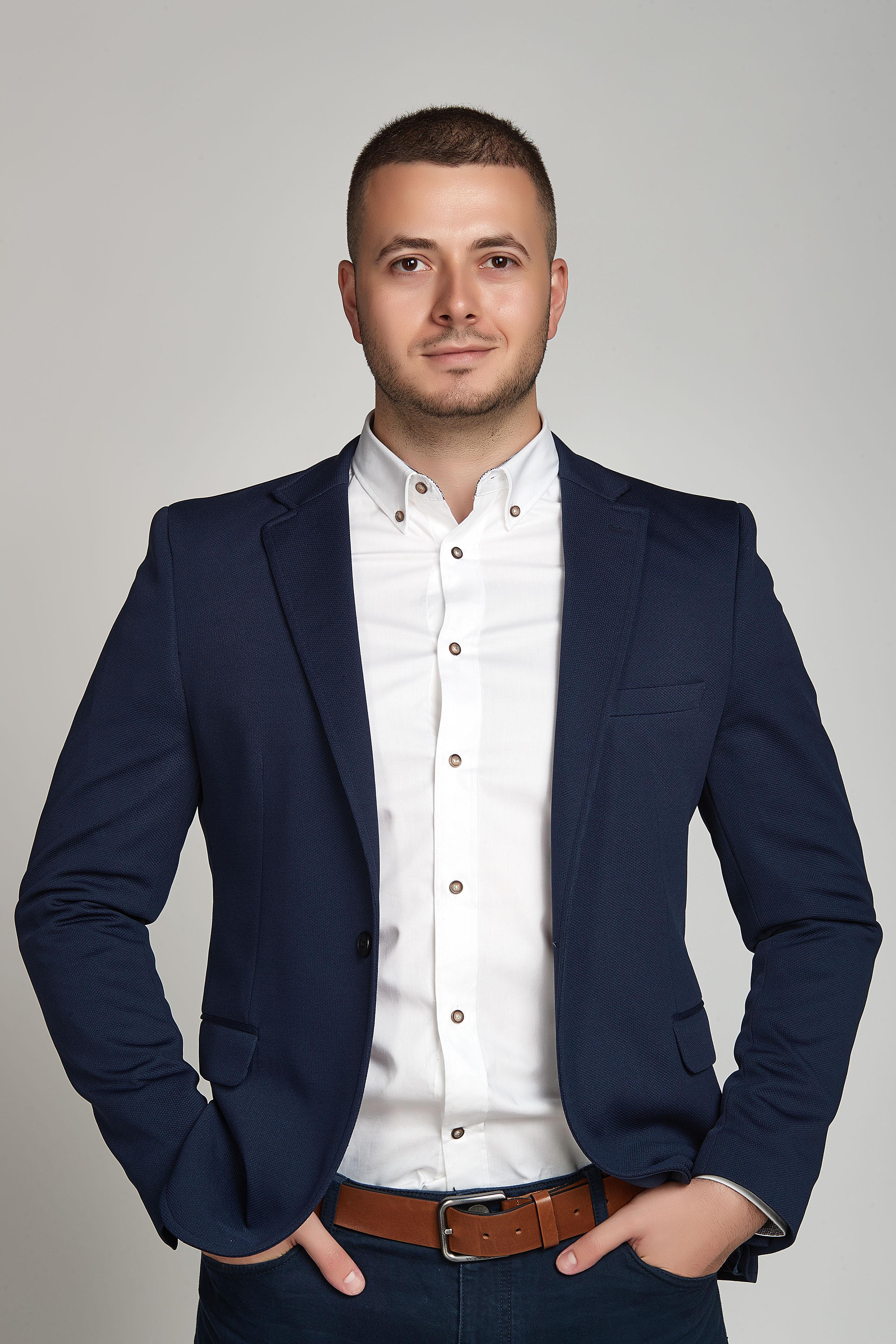 Силвестър Узунов
